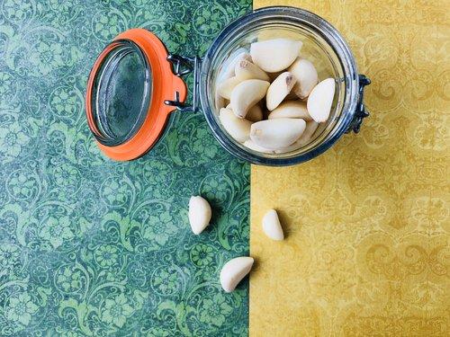 garlic cloves, thinly sliced